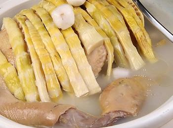 笋干鸡球汤
