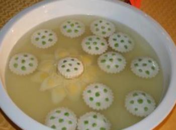 莲蓬豆腐汤