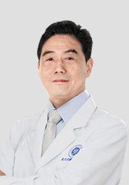 郭家贵 白癜风医生 从业41年擅长各类白癜风诊疗 患者好评:★★★★★ 问诊量:3652位