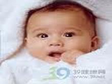 新生儿两眼上翻凝视
