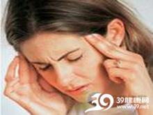 重压感、紧箍感或钳夹样头痛
